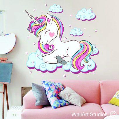 WDUL Unicorn lying down wall decal